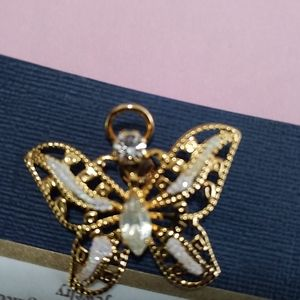 Other - A Gold Butterfly Pin or Pendant